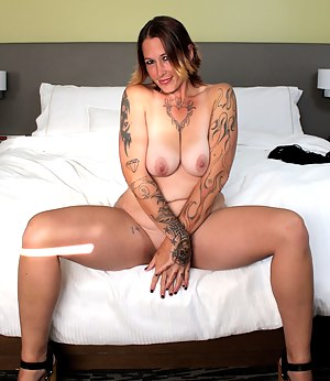 Mature Tattoo Porn Pictures