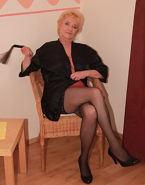Mature Whip Porn Pictures