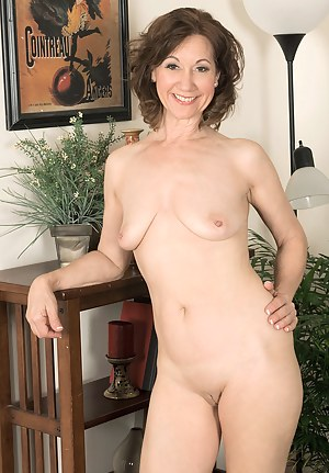 Mature Tight Pussy Porn Pictures