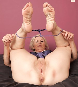 Mature Foot Fetish Porn Pictures