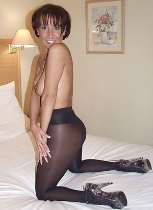Mature Pantyhose Porn Pictures