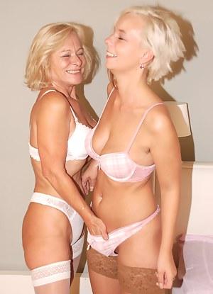 Mature Blonde Porn Pictures