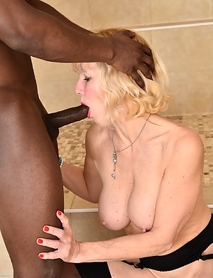 Mature Interracial Porn Pictures