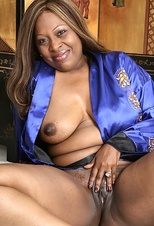 Mature Black Pussy Porn Pictures