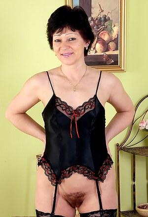 Mature Lingerie Porn Pictures