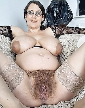 Ature hairy pussy