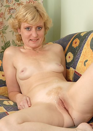 Cum on Mature Pussy Porn Pictures
