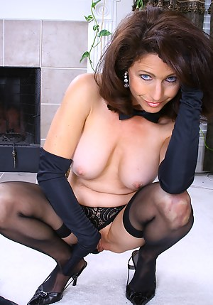 Mature Gloves Porn Pictures