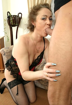Mature on Knees Porn Pictures