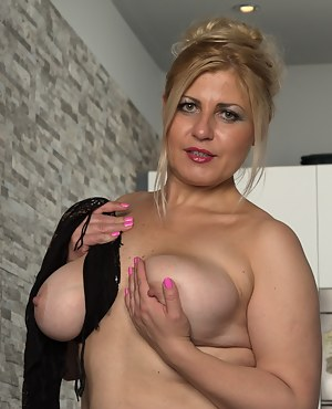 Chubby Mature Porn Pictures