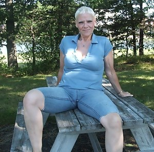 Mature Jeans Porn Pictures