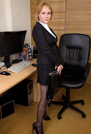 Mature Office Porn Pictures